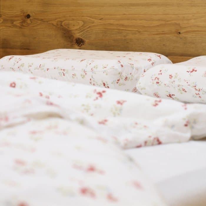 łóżko do sypialni z drewna